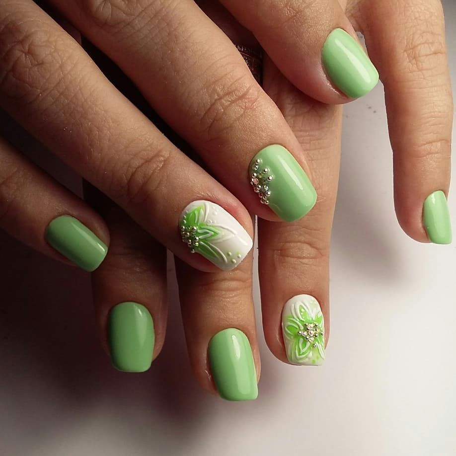 этом фото весенних ногтей зеленого цвета этот день