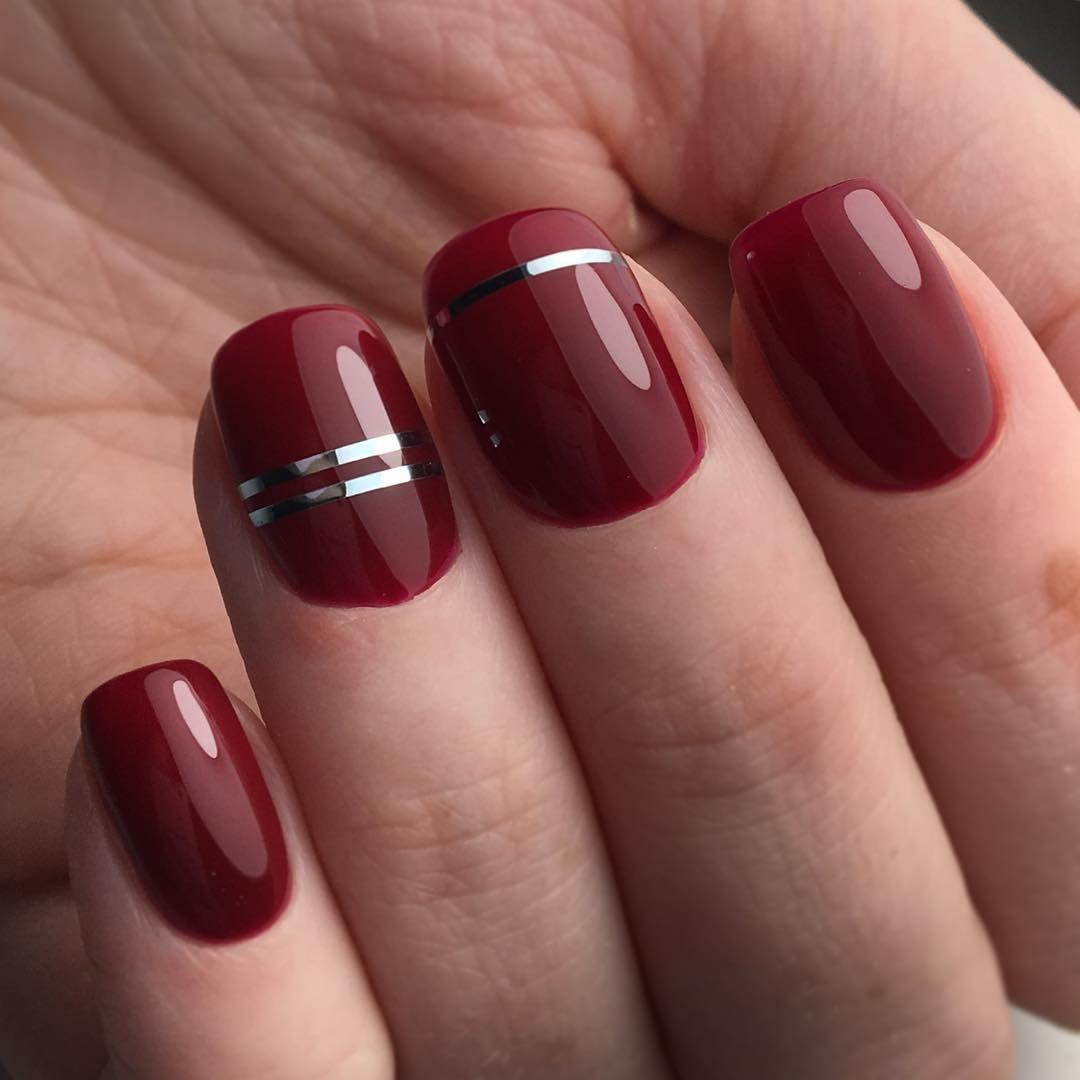 Темно красный маникюр на короткие ногти фото
