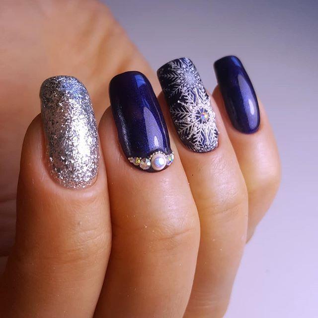 удобный дизайн ногтей фото снежинки на ногтях узоры форме квадратов