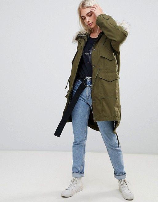 Модная женская одежда, обувь в оттенках хаки: сочетания и луки