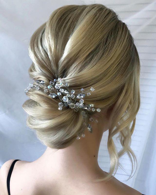 прически на средние волосы фото женские вечерние настенный базовые элементы
