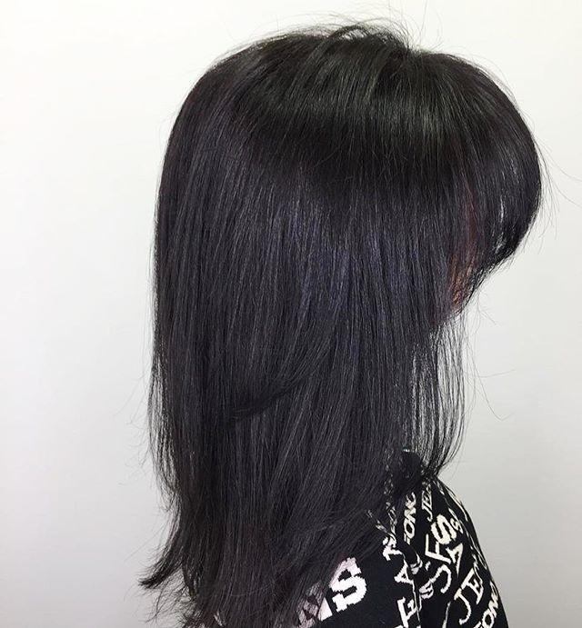 Окрашивание волос в черный цвет: техники, фото-идеи, кому подходит